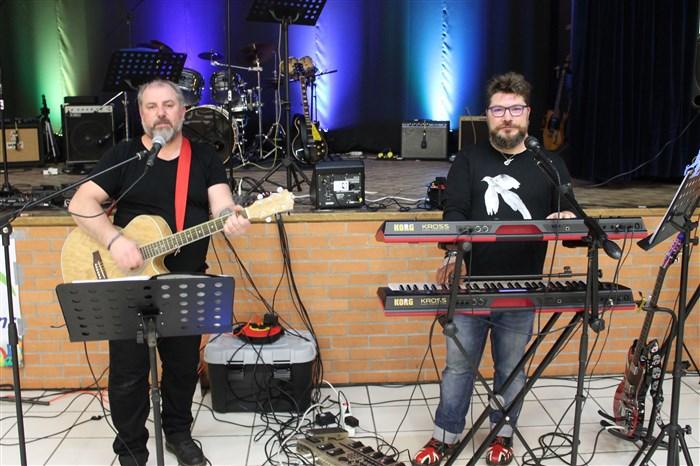Le groupe Feed Back au concert Pop/Rock de Veneux.